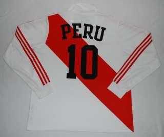 PERU ADIDAS ORIGINALS FOOTBALL SHIRT (SIZE L)   MINT