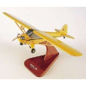 Worldwide Trading H0324 J 3 Piper Cub 1/24 AIRCRAFT Toys & Games