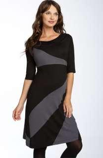 MATERNITY CHIC Diagonal Color Blocked DRESS Black & Gray