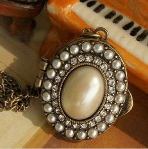 Vintage Style Rhinestone Bronze Palace Big Pearl Oval Pendant Necklace