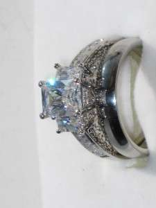 EMERALD CUT 3 STONE LADIES ENGAGEMENT WEDDING SIMULATED DIAMOND RING