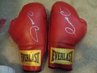 Oscar De La Hoya Signed Pair Of Everlast Boxing Gloves