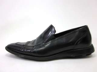 You are bidding on COLE HAAN Mens Black Leather Loafers Shoes size 11
