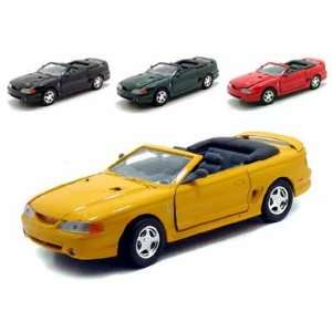 Set of 4   1998 Ford Mustang Cobra Convertible 1/24 Toys & Games