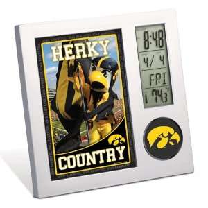 IOWA HAWKEYES OFFICIAL LOGO DESK CLOCK AND FRAME: Sports