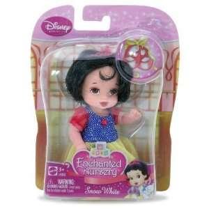 Snow White (L9302)   Disney Princess Enchanted Nursery 4